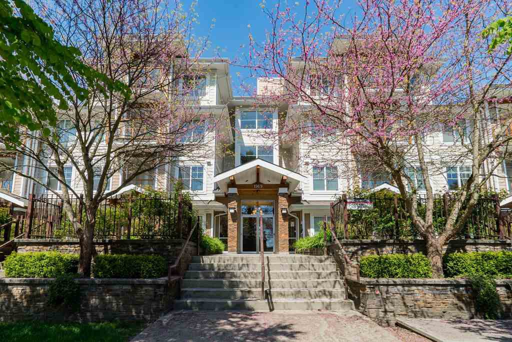 """Main Photo: 109 1969 WESTMINSTER Avenue in Port Coquitlam: Glenwood PQ Condo for sale in """"THE SAPPHIRE"""" : MLS®# R2403533"""