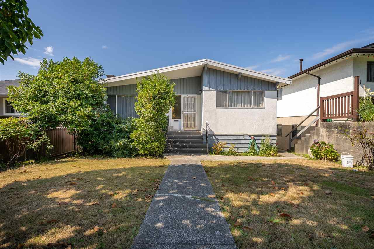Main Photo: 4675 NANAIMO Street in Vancouver: Victoria VE House for sale (Vancouver East)  : MLS®# R2403944