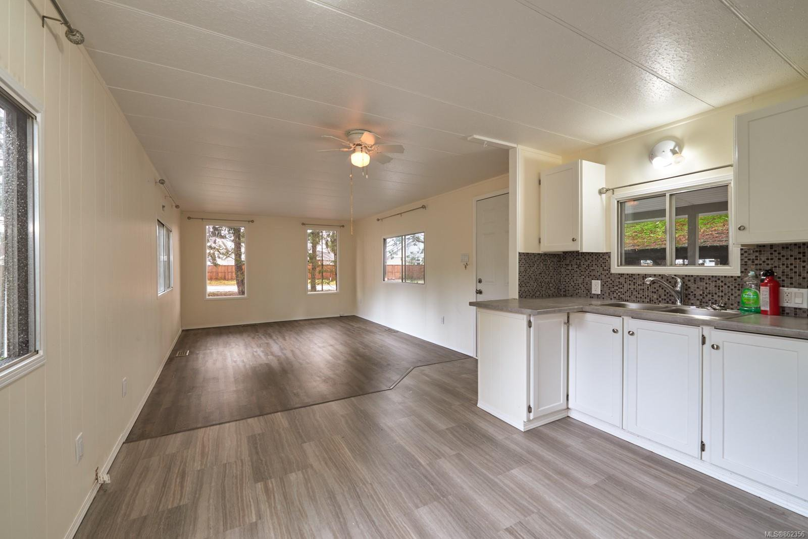 Main Photo: 65 1247 Arbutus Rd in : PQ Parksville Manufactured Home for sale (Parksville/Qualicum)  : MLS®# 862356