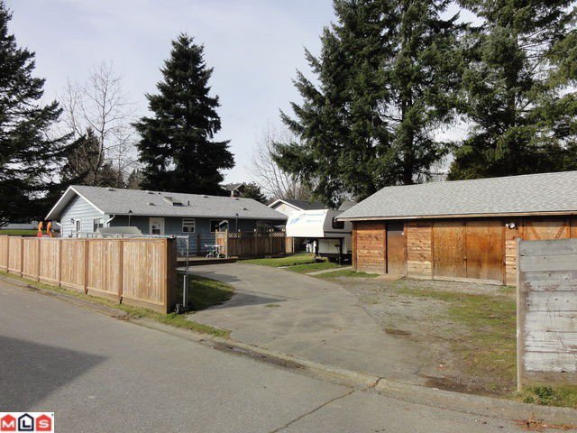 Photo 18: Photos: 10108 143A Street in Surrey: Whalley House for sale (North Surrey)  : MLS®# F1205193