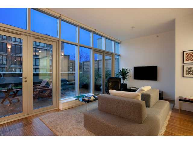 """Main Photo: 601 36 WATER Street in Vancouver: Downtown VW Condo for sale in """"TERMINUS"""" (Vancouver West)  : MLS®# V938697"""