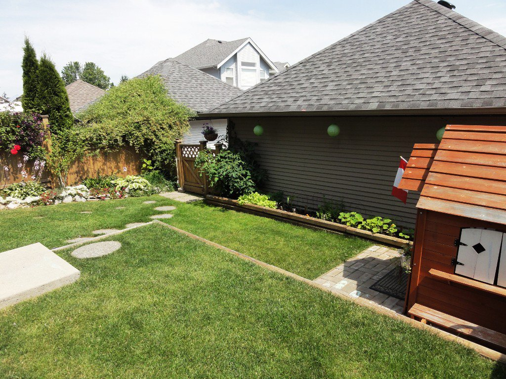 Photo 25: Photos: 5918 148TH Street in Surrey: Sullivan Station House for sale : MLS®# F1218446