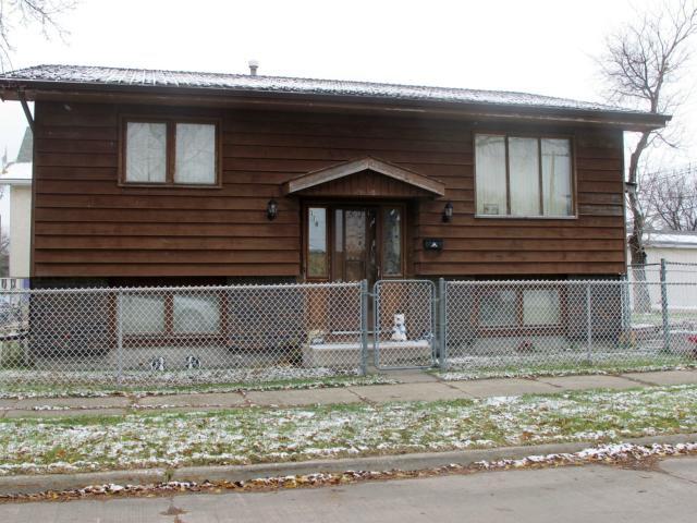 Main Photo:  in WINNIPEG: East Kildonan Residential for sale (North East Winnipeg)  : MLS®# 1222185