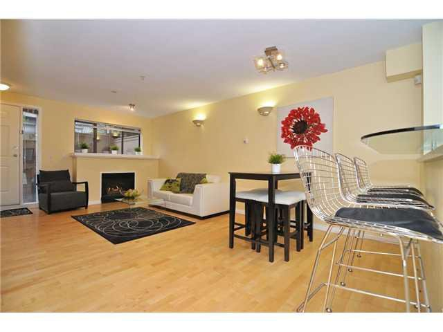 """Main Photo: 109 345 LONSDALE Avenue in North Vancouver: Lower Lonsdale Townhouse for sale in """"THE MET"""" : MLS®# V1017076"""