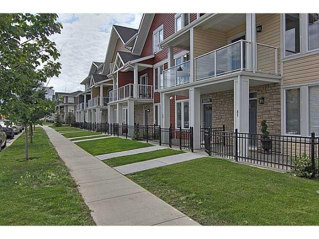 Main Photo: 43 AUBURN BAY Link SE in : Auburn Bay Townhouse for sale (Calgary)  : MLS®# C3585164