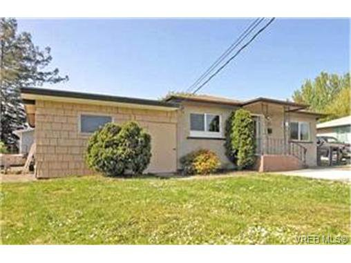 Main Photo:  in VICTORIA: VR Hospital Single Family Detached for sale (View Royal)  : MLS®# 397825