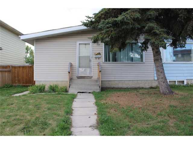 Main Photo: 3107 DOVER Crescent SE in CALGARY: Dover Residential Attached for sale (Calgary)  : MLS®# C3633701