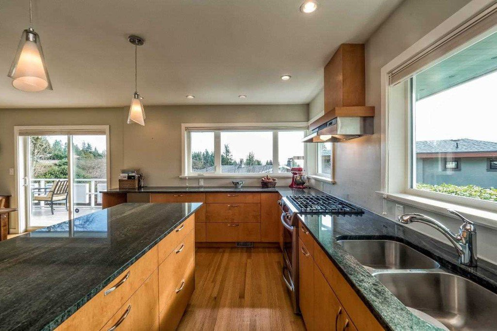 Photo 7: Photos: Hermosa Avenue in North Vancouver: Upper Delbrook House for rent