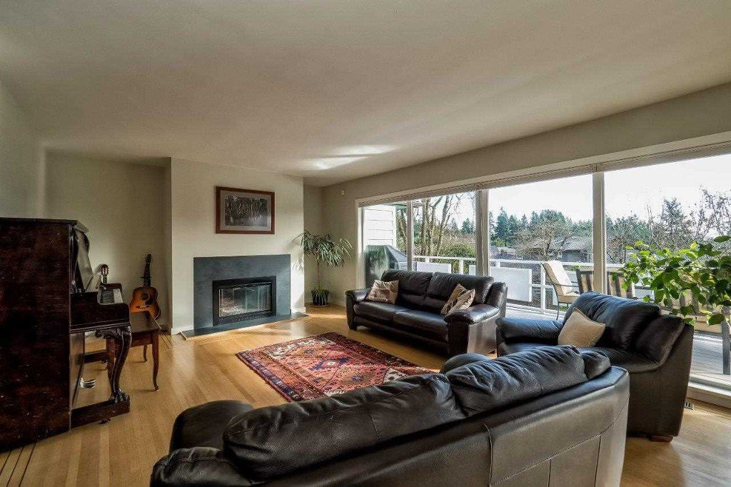 Photo 9: Photos: Hermosa Avenue in North Vancouver: Upper Delbrook House for rent