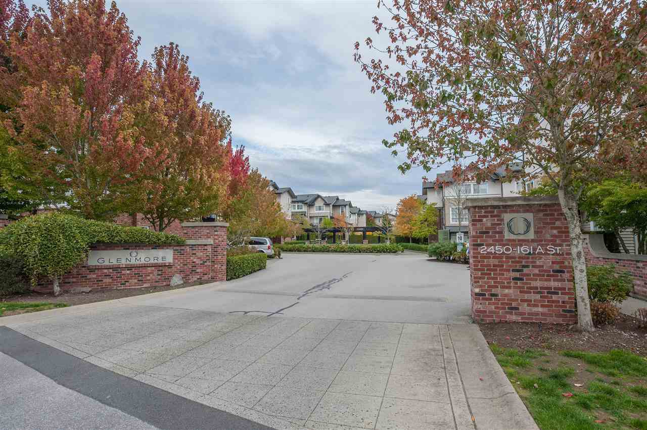Main Photo: 222 2450 161A Street in Surrey: Grandview Surrey Townhouse for sale (South Surrey White Rock)  : MLS®# R2409680