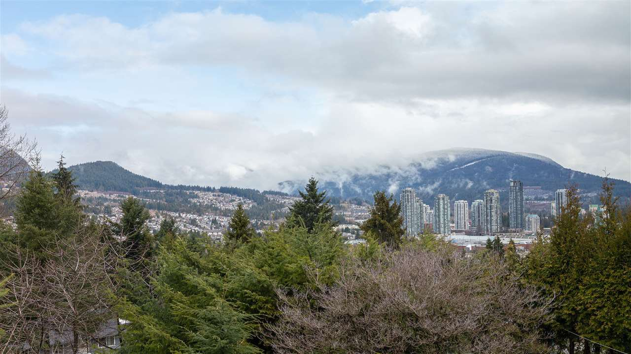 Main Photo: 3208 MARINER Way in Coquitlam: Ranch Park House for sale : MLS®# R2447581