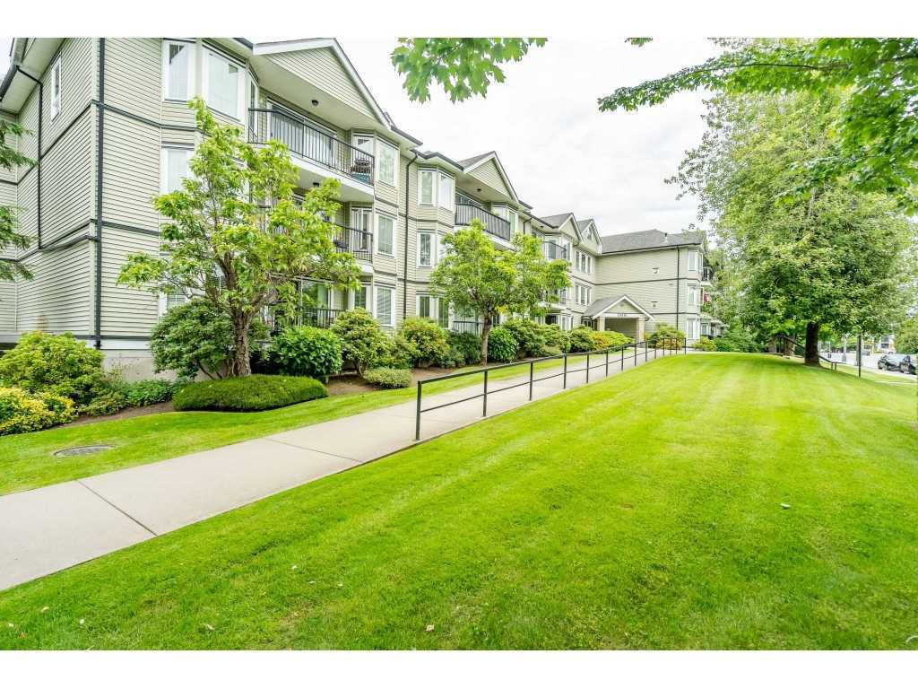 "Main Photo: 103 20881 56 Avenue in Langley: Langley City Condo for sale in ""ROBERT'S COURT"" : MLS®# R2467971"