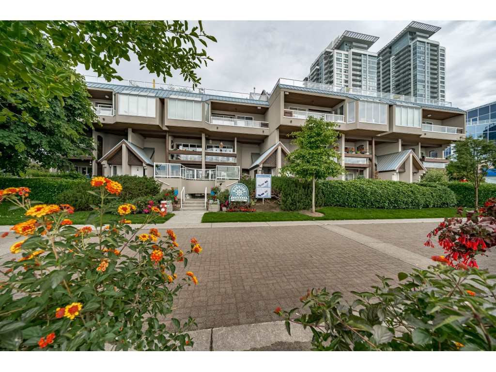 """Main Photo: 103 3 K DE K Court in New Westminster: Quay Condo for sale in """"Quayside Terrace"""" : MLS®# R2469047"""
