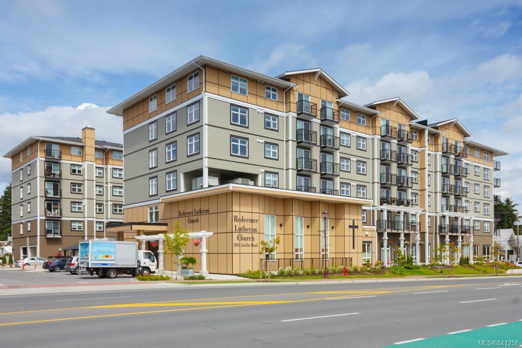 Main Photo: 306 917 Avrill Rd in Langford: La Glen Lake Condo Apartment for sale : MLS®# 841258