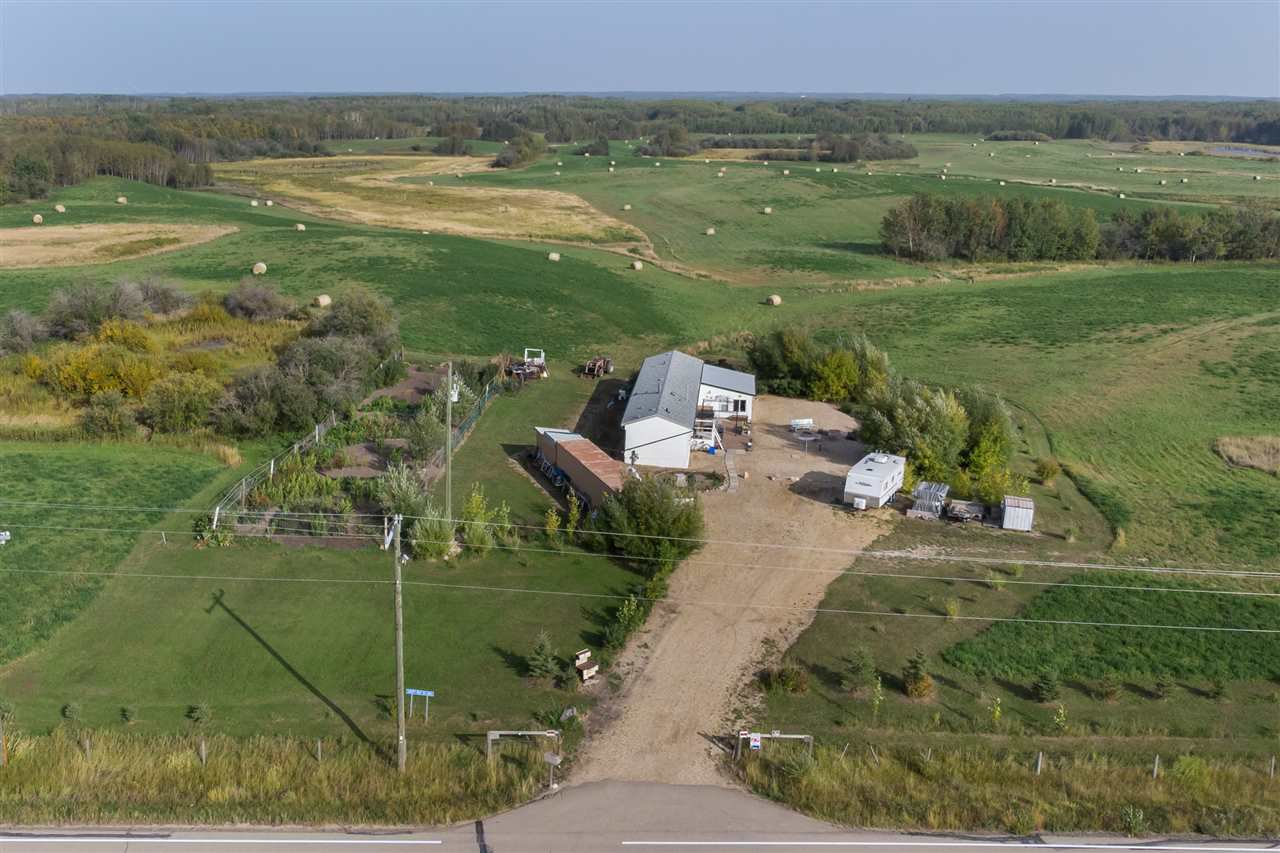 Main Photo: 50071 RR 205: Rural Camrose County Manufactured Home for sale : MLS®# E4214780