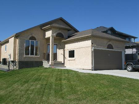 Main Photo: Magnificent 4 Bedroom Bungalow