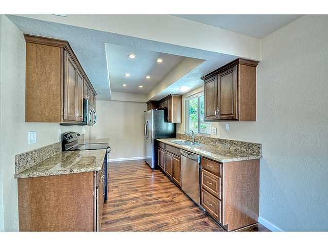 Photo 10: Photos: EL CAJON House for sale : 4 bedrooms : 12414 Rosey Road