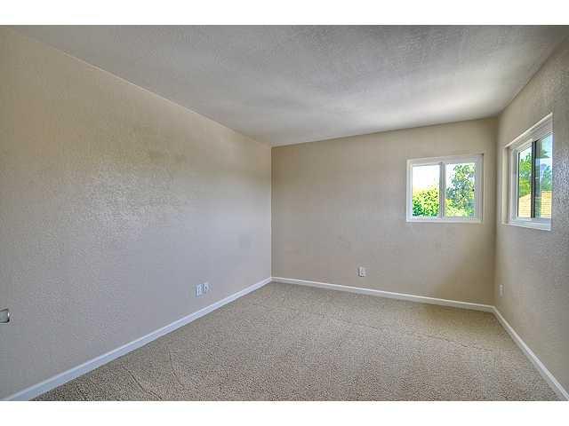 Photo 14: Photos: EL CAJON House for sale : 4 bedrooms : 12414 Rosey Road