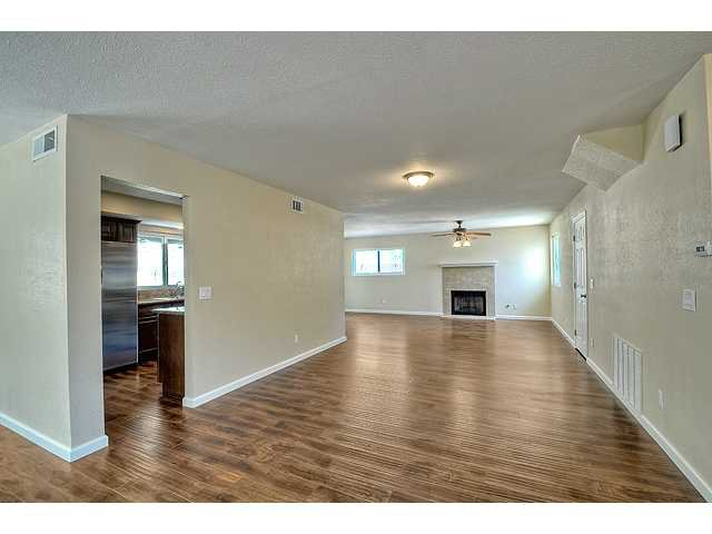 Photo 6: Photos: EL CAJON House for sale : 4 bedrooms : 12414 Rosey Road