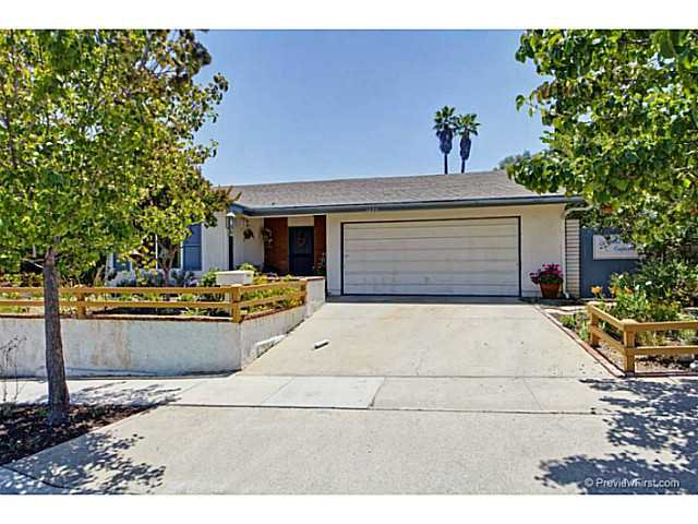 Main Photo: SOUTH ESCONDIDO House for sale : 5 bedrooms : 1633 Kenora Drive in Escondido