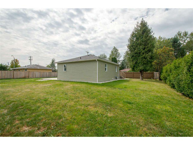 Photo 12: Photos: 12096 223RD Street in Maple Ridge: West Central House for sale : MLS®# V1081849