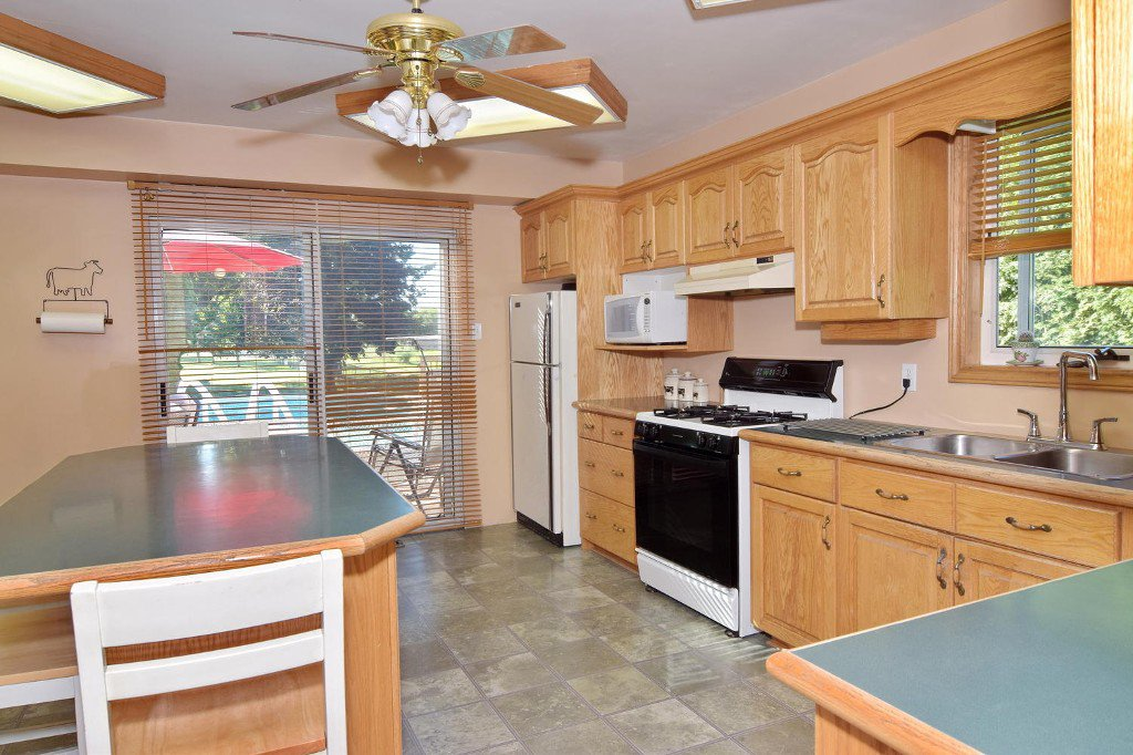 Photo 22: Photos: 641 Main Street in BEAVERTON: Brock Freehold for sale (Durham)  : MLS®# N3610346