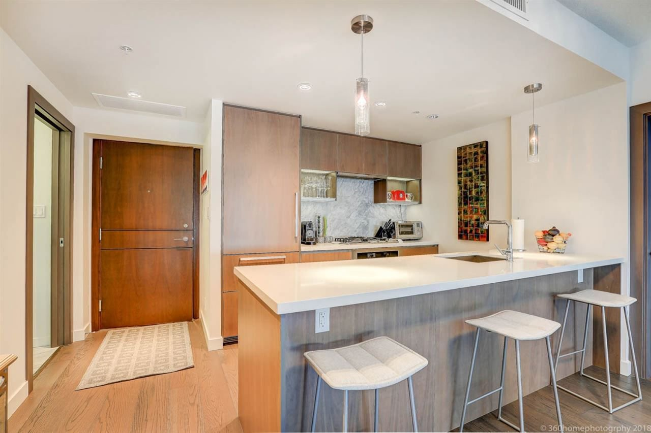 Main Photo: 1811 68 SMITHE STREET in Vancouver: Yaletown Condo for sale (Vancouver West)  : MLS®# R2283102
