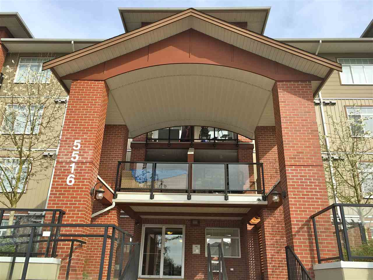 Main Photo: 101 5516 198 STREET in : Langley City Condo for sale : MLS®# R2052043