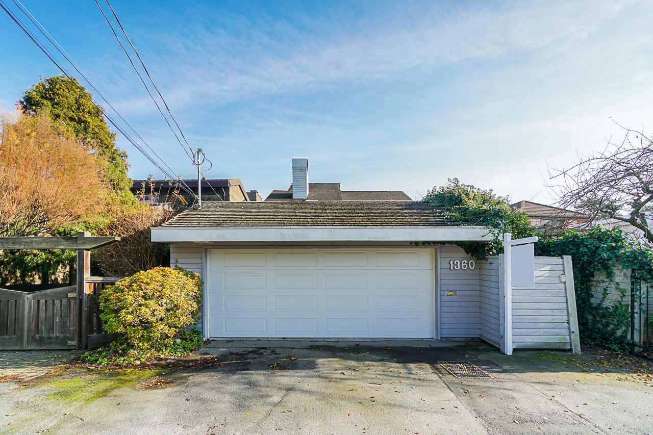 Main Photo: 1360 BEACH GROVE Road in Delta: Beach Grove House for sale (Tsawwassen)  : MLS®# R2420192