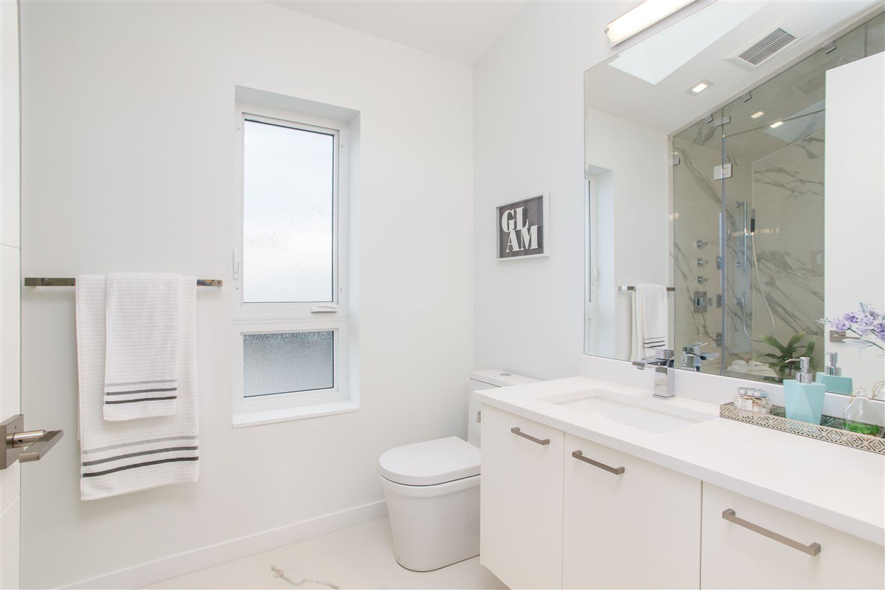Photo 19: Photos: 4468 ONTARIO Street in Vancouver: Main House for sale (Vancouver East)  : MLS®# R2431010