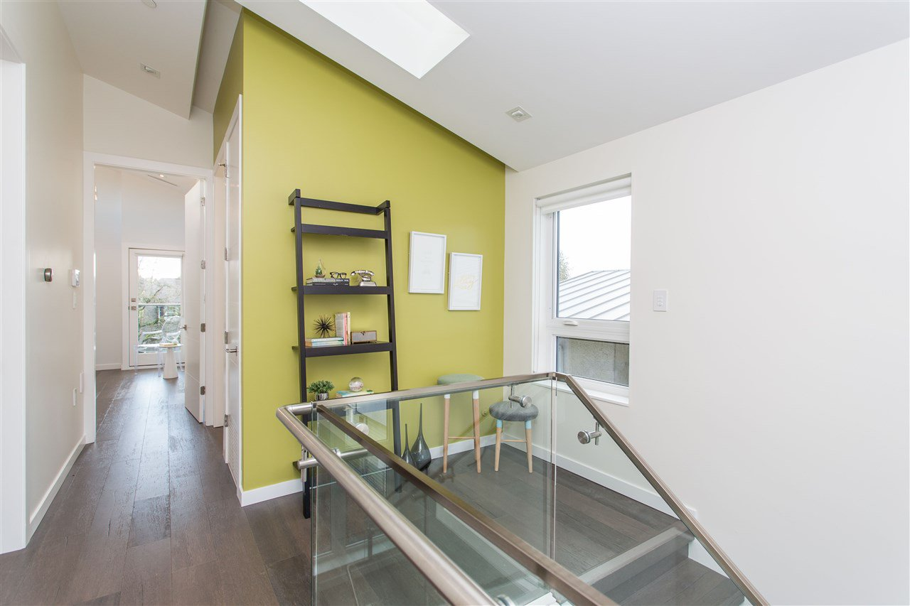 Photo 13: Photos: 4468 ONTARIO Street in Vancouver: Main House for sale (Vancouver East)  : MLS®# R2431010
