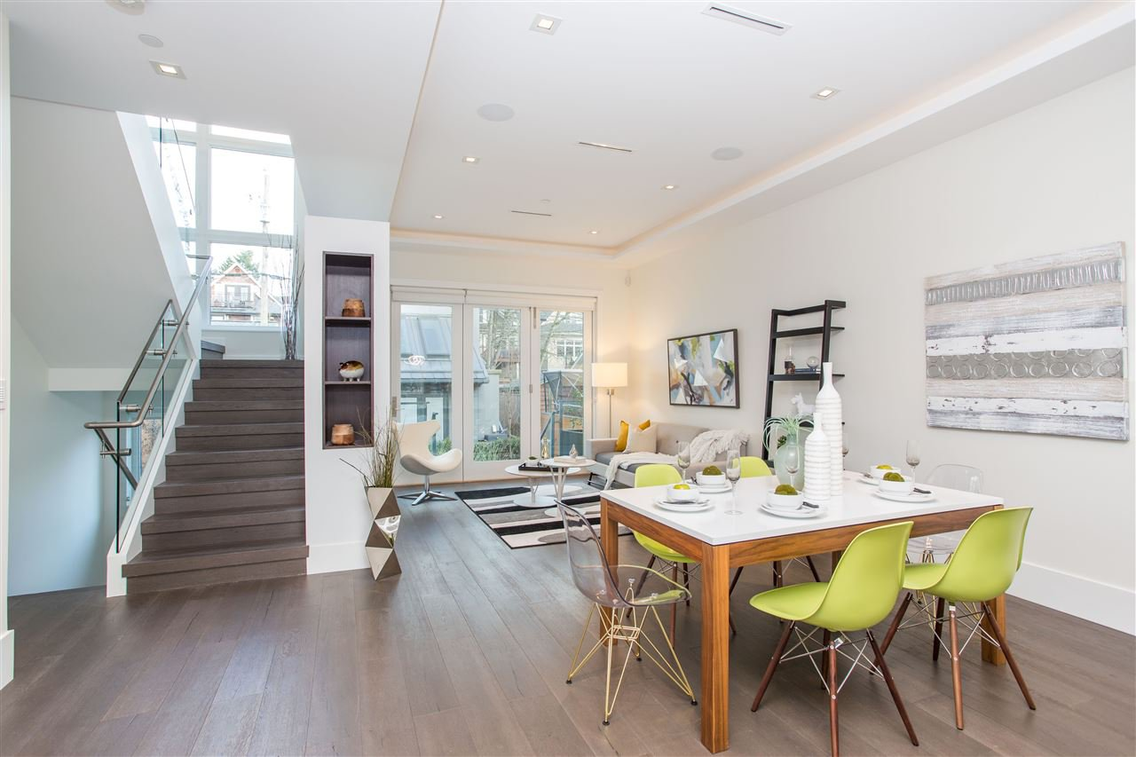 Photo 4: Photos: 4468 ONTARIO Street in Vancouver: Main House for sale (Vancouver East)  : MLS®# R2431010