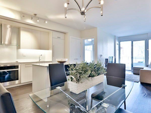 Main Photo: 217 3018 Yonge Street in Toronto: Lawrence Park South Condo for sale (Toronto C04)  : MLS®# C4773031