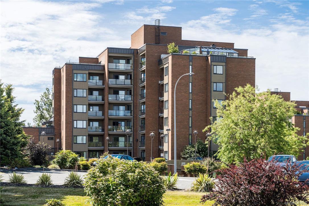 Main Photo: 702 103 E Gorge Rd in Victoria: Vi Burnside Condo for sale : MLS®# 842826