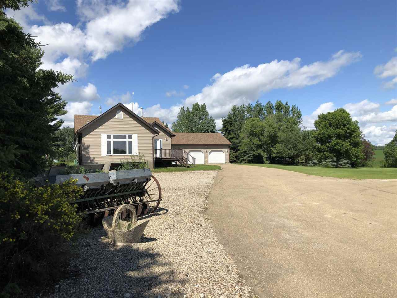 Main Photo: 463042 RGE RD 245: Rural Wetaskiwin County House for sale : MLS®# E4208174