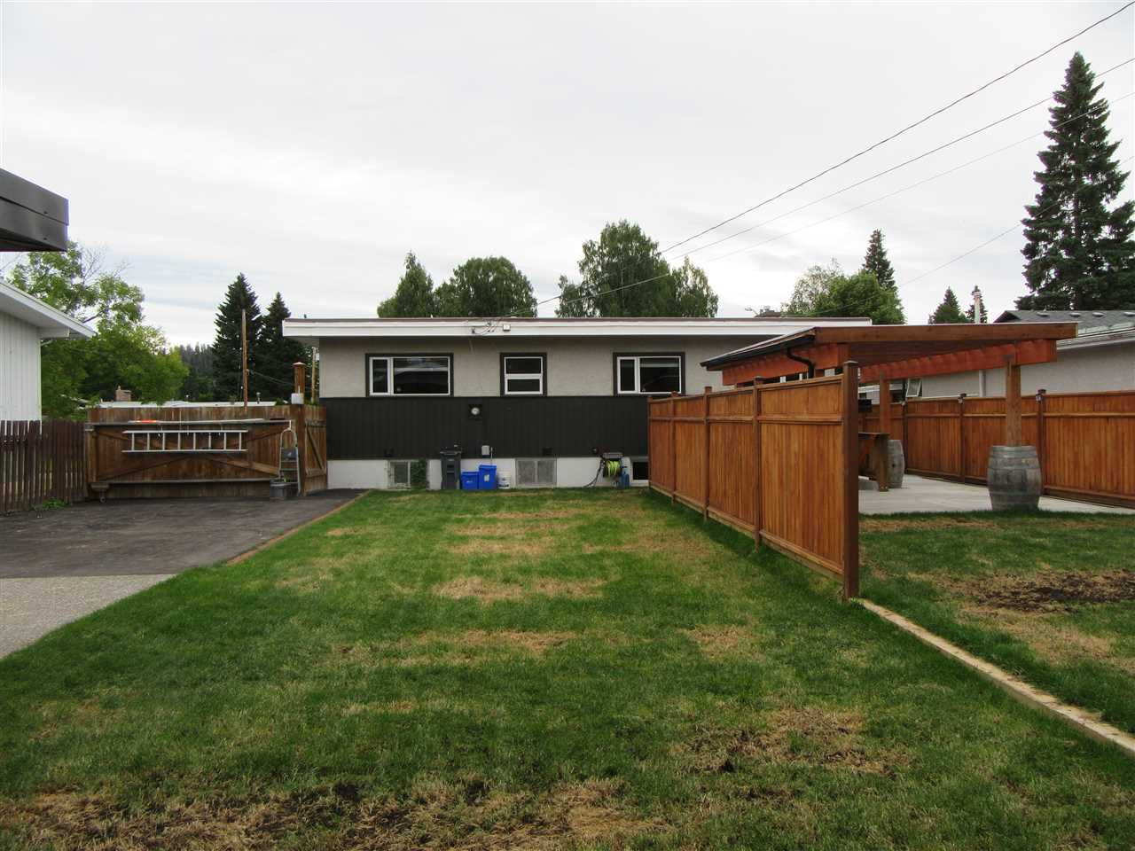 """Photo 5: Photos: 121 FREEMAN Street in Prince George: Nechako View House for sale in """"NECHAKO"""" (PG City Central (Zone 72))  : MLS®# R2493268"""
