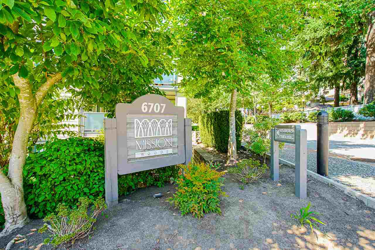 Main Photo: 400 6707 SOUTHPOINT DRIVE in Burnaby: South Slope Condo for sale (Burnaby South)  : MLS®# R2490466