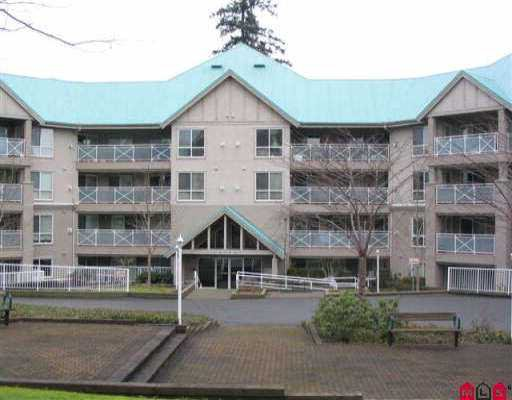 "Main Photo: 305 15150 29A AV in White Rock: King George Corridor Condo for sale in ""Sands 11"" (South Surrey White Rock)  : MLS®# F2602319"