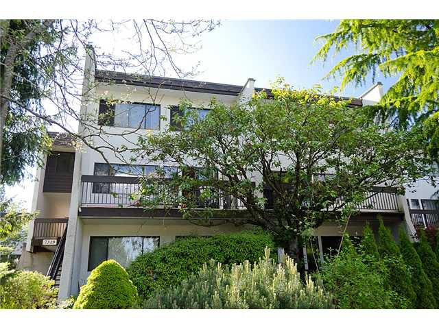 "Main Photo: 8 7319 MONTECITO Drive in Burnaby: Montecito Townhouse for sale in ""MONTECITO"" (Burnaby North)  : MLS®# V954612"