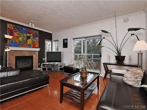 Main Photo: 601 1500 Elford Street in VICTORIA: Vi Fernwood Condo Apartment for sale (Victoria)  : MLS®# 318320