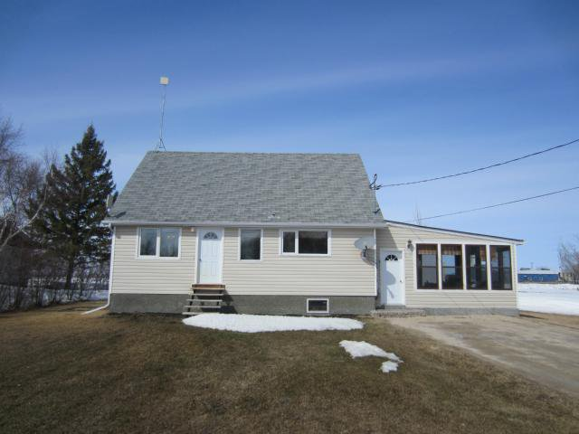 Main Photo: 45 Crown Valley Road West in NEWBOTHWE: Manitoba Other Residential for sale : MLS®# 1306925