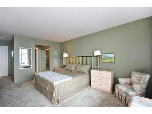 Photo 9: Photos: 202 2274 FOLKESTONE Way in West Vancouver: Panorama Village Condo for sale : MLS®# V1026736