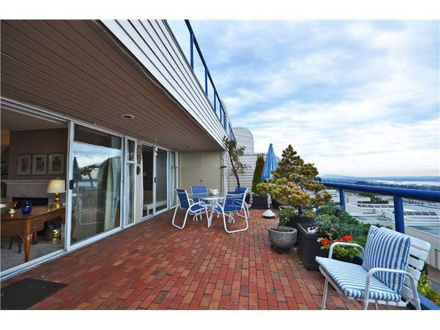 Photo 13: Photos: 202 2274 FOLKESTONE Way in West Vancouver: Panorama Village Condo for sale : MLS®# V1026736