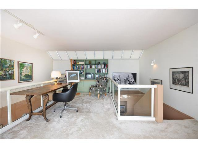 Photo 11: Photos: 202 2274 FOLKESTONE Way in West Vancouver: Panorama Village Condo for sale : MLS®# V1026736