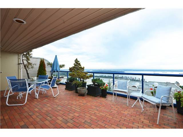 Photo 5: Photos: 202 2274 FOLKESTONE Way in West Vancouver: Panorama Village Condo for sale : MLS®# V1026736