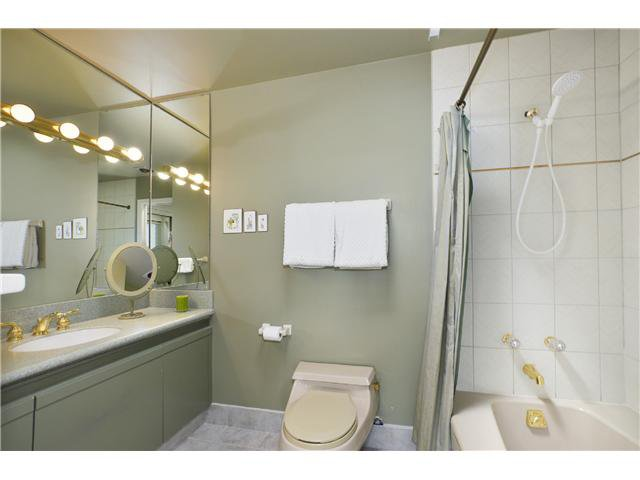Photo 8: Photos: 202 2274 FOLKESTONE Way in West Vancouver: Panorama Village Condo for sale : MLS®# V1026736