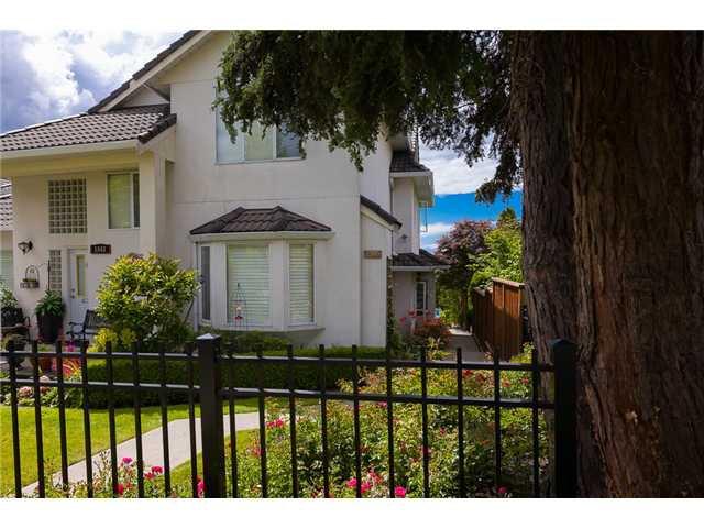 Main Photo: 1545 MAHON AV in North Vancouver: Central Lonsdale Condo for sale : MLS®# V1014249