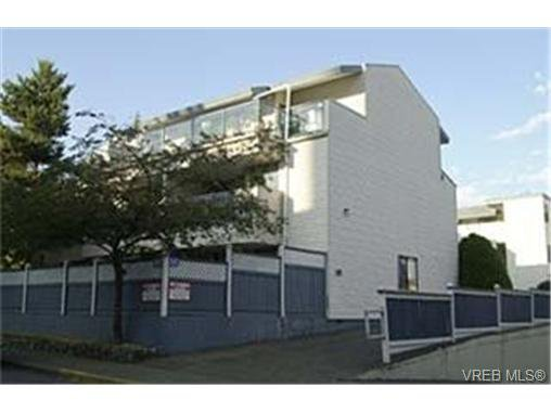 Main Photo: 25 333 Robert St in VICTORIA: VW Victoria West Condo Apartment for sale (Victoria West)  : MLS®# 341141