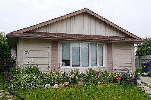 Main Photo: 27 Bibeaudel Place in Winnipeg: St Norbert Single Family Detached for sale (South Winnipeg)  : MLS®# 1530074
