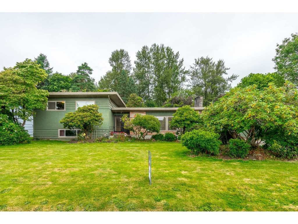 Main Photo: 45863 BERKELEY Avenue in Chilliwack: Chilliwack N Yale-Well House for sale : MLS®# R2480050
